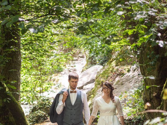 Le mariage de Damien et Hélène  à Le Mesnil-Mauger, Calvados 14