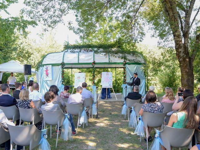 Le mariage de Arnaud et Anaïs à Lussas, Ardèche 14