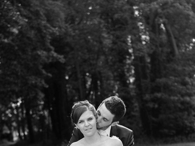Le mariage de Christophe et Indiana à Ouistreham, Calvados 5