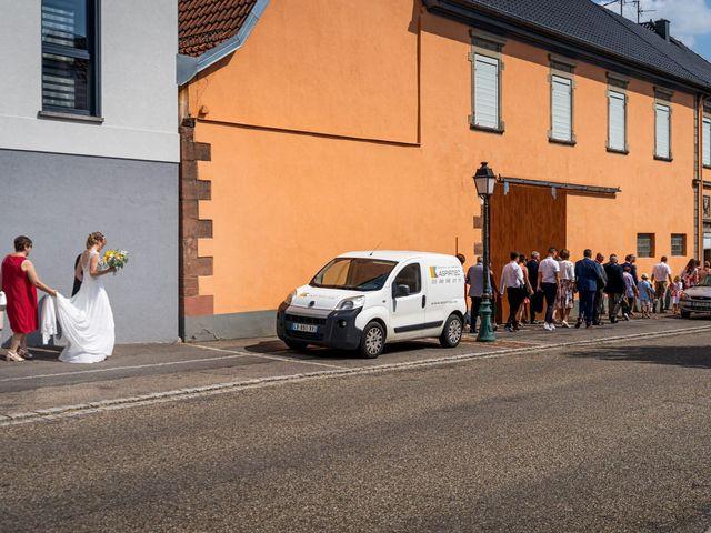 Le mariage de Xavier et Pauline à Schwindratzheim, Bas Rhin 29