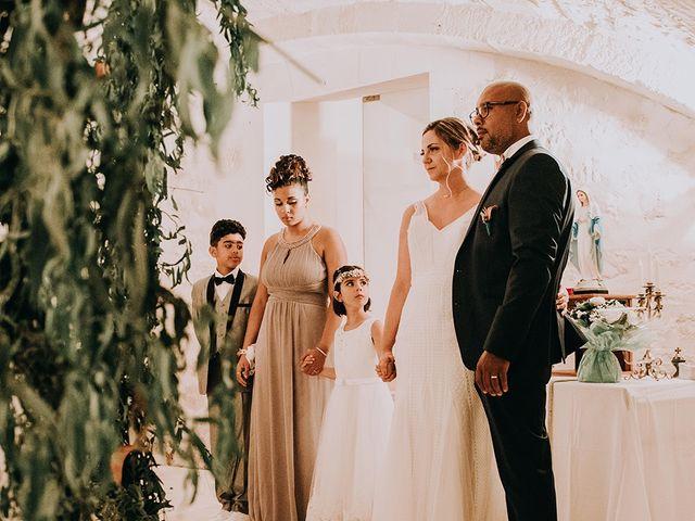 Le mariage de Fabrice et Aurélia à Saintes, Charente Maritime 23