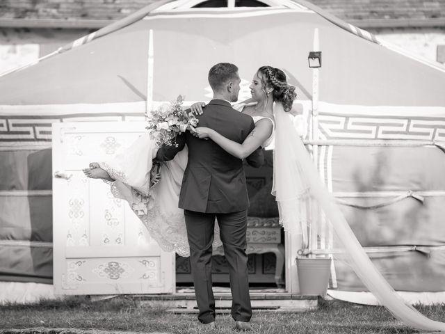 Le mariage de Thomas et Marine à Montereau-faut-Yonne, Seine-et-Marne 13