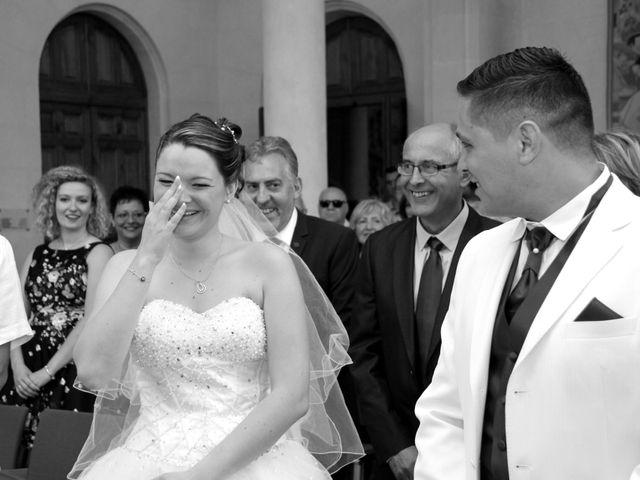 Le mariage de Jérémy et Cassandra à Vauvert, Gard 9