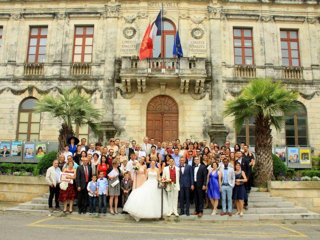 Le mariage de Jérémy et Cassandra à Vauvert, Gard 15