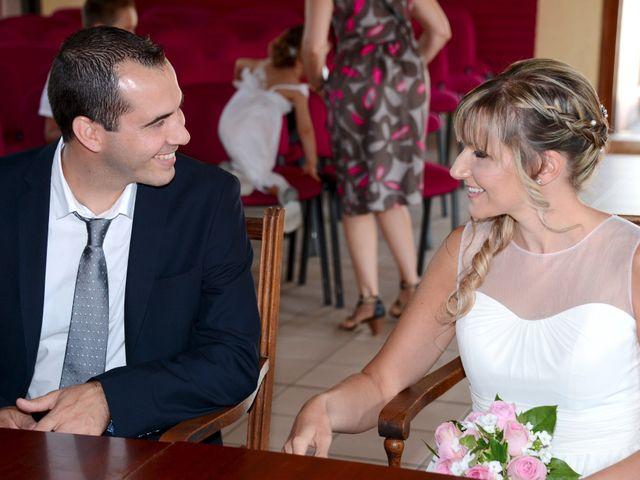 Le mariage de Pierre-Yves et Stéphanie à Quincié-en-Beaujolais, Rhône 6