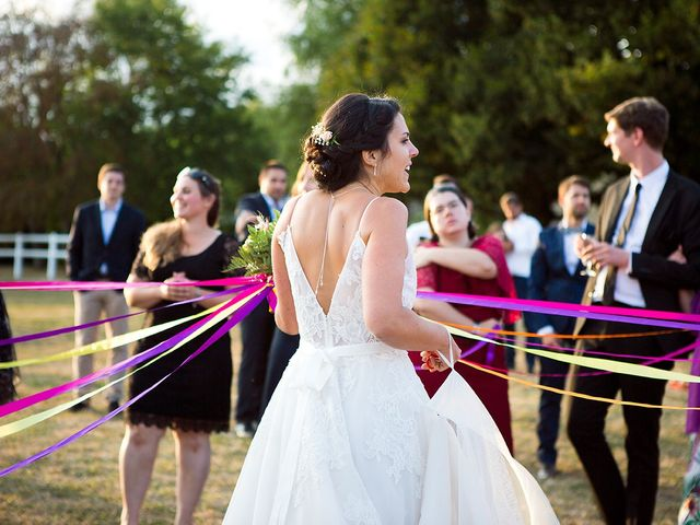 Le mariage de Romain et Célia à Le Châtelet-en-Brie, Seine-et-Marne 424