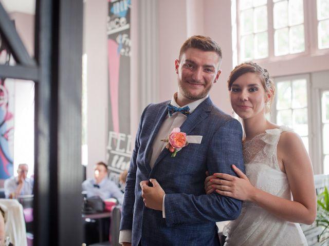 Le mariage de Romain et Clémence à Charleville-Mézières, Ardennes 25