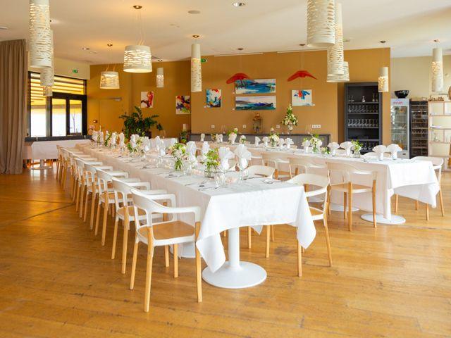 Le mariage de Julien et Florence à Esnandes, Charente Maritime 32