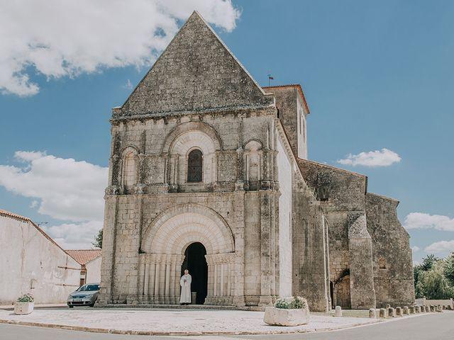 Le mariage de Romain et Anaïs à Romegoux, Charente Maritime 18