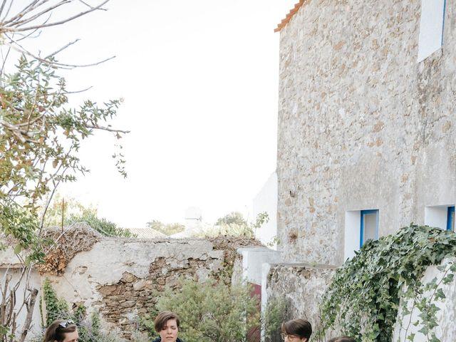 Le mariage de Leo et Kate à Port-Joinville, Vendée 3
