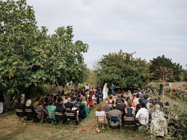 Le mariage de Leo et Kate à Port-Joinville, Vendée 56