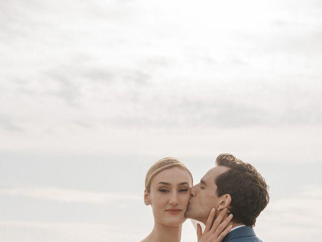 Le mariage de Leo et Kate à Port-Joinville, Vendée 74