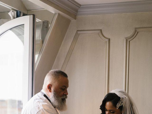 Le mariage de Hezrell et Raquel à Paris, Paris 36