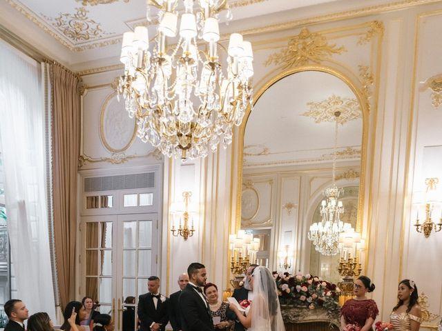 Le mariage de Hezrell et Raquel à Paris, Paris 55