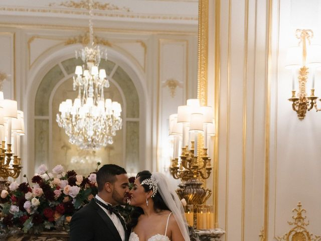 Le mariage de Hezrell et Raquel à Paris, Paris 64