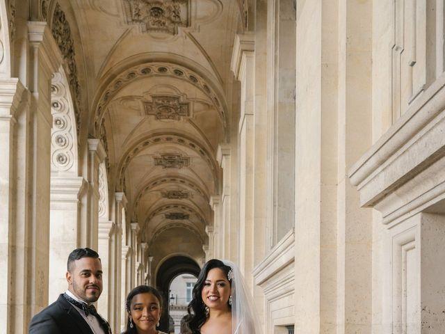 Le mariage de Hezrell et Raquel à Paris, Paris 74