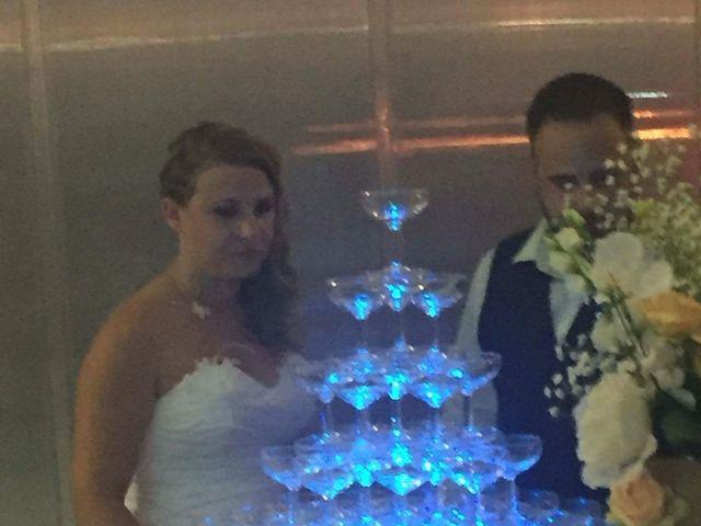 Le mariage de Fabien et Amandine à Istres, Bouches-du-Rhône 25