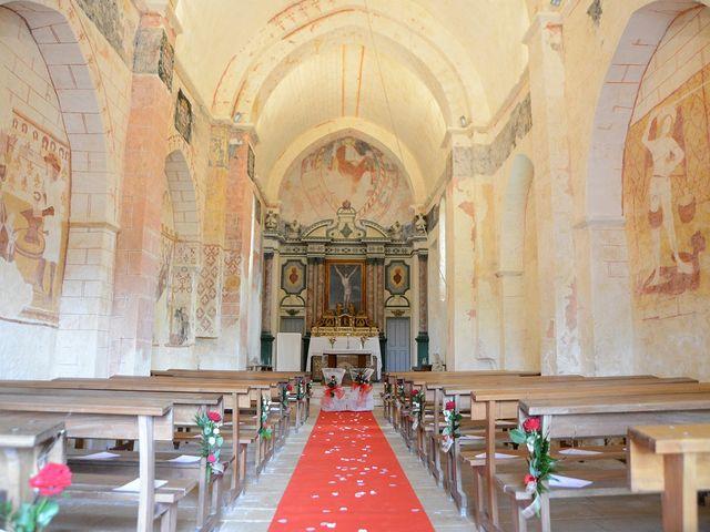 Le mariage de Aurélie et David à Champagné-le-Sec, Vienne 9