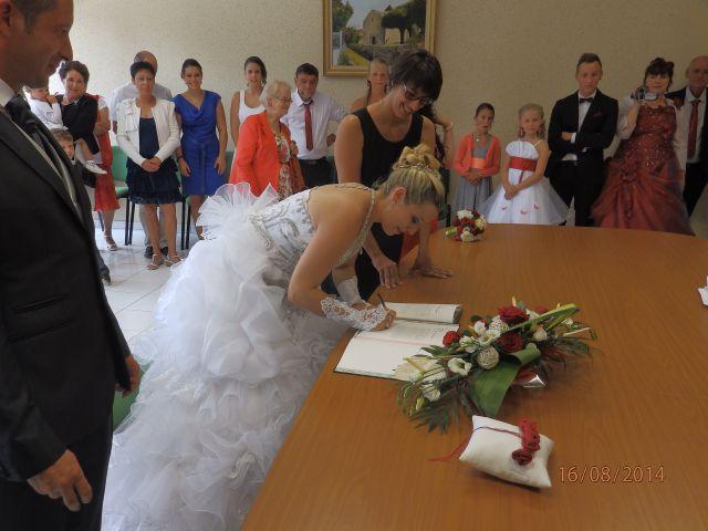Le mariage de Aurélie et David à Champagné-le-Sec, Vienne 40
