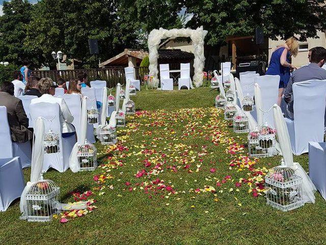 Le mariage de Arno et Emilie à Châteaudouble, Drôme 4