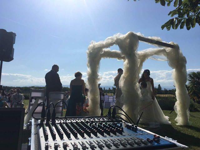 Le mariage de Arno et Emilie à Châteaudouble, Drôme 6