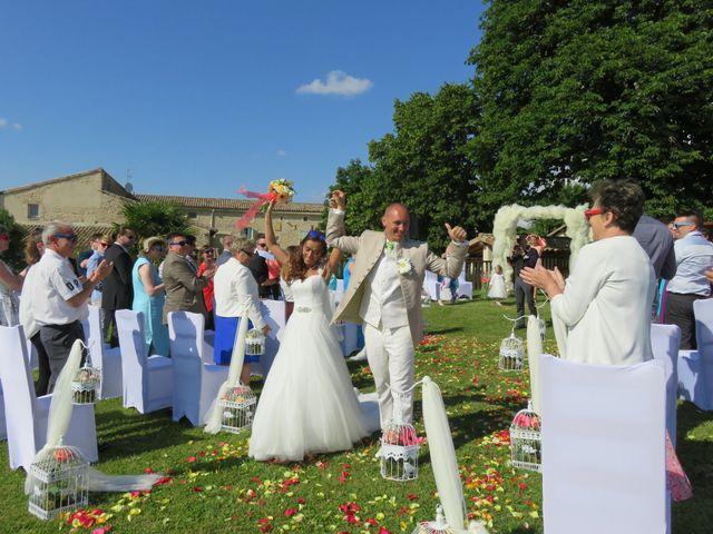 Le mariage de Arno et Emilie à Châteaudouble, Drôme 8