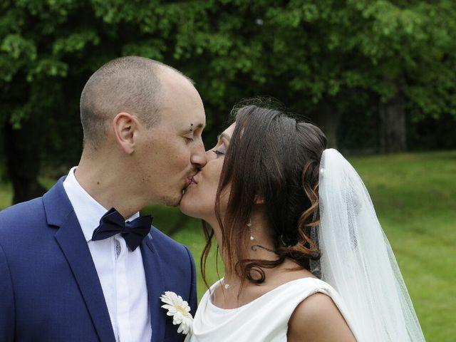 Le mariage de Arno et Emilie à Châteaudouble, Drôme 20