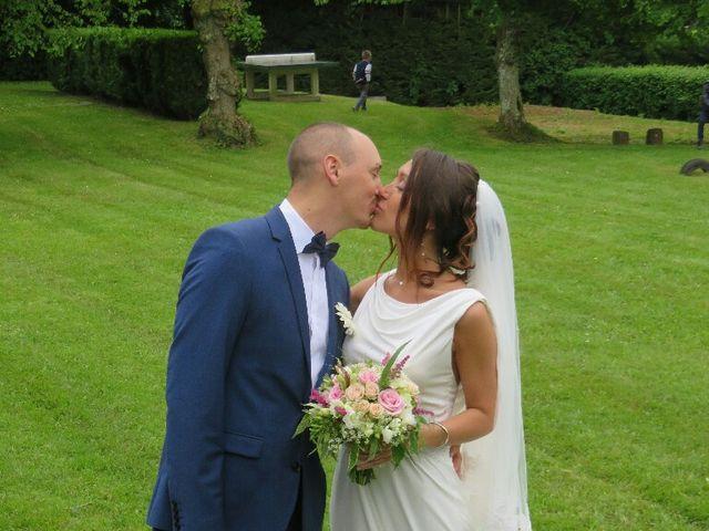 Le mariage de Arno et Emilie à Châteaudouble, Drôme 22