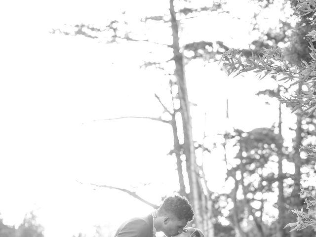 Le mariage de Youness et Delphine à Courson-Monteloup, Essonne 33