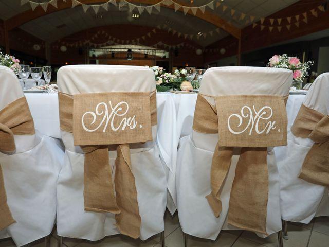Le mariage de Vivien et Séverine à Ville-sur-Lumes, Ardennes 35