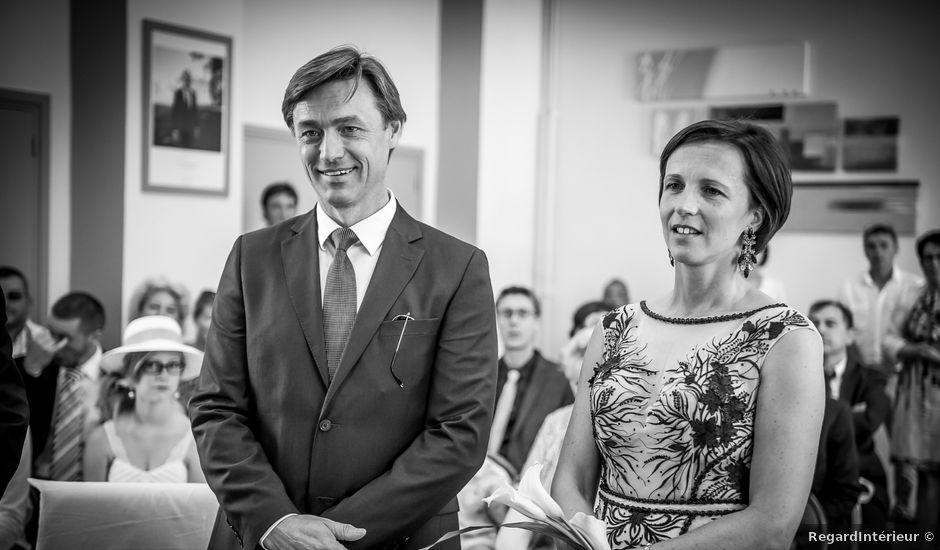 Le mariage de Philippe et Caroline à Lusignan, Vienne