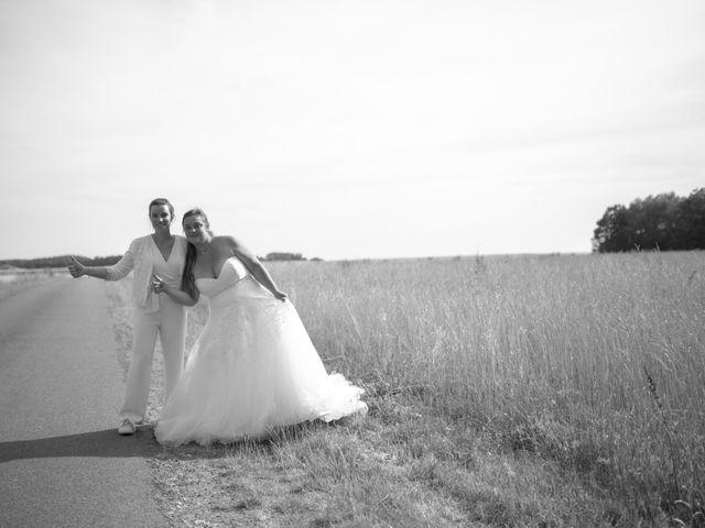 Le mariage de Marion et Anne Sophie à Le Gué-de-Longroi, Eure-et-Loir 16