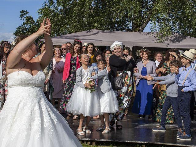 Le mariage de Marion et Anne Sophie à Le Gué-de-Longroi, Eure-et-Loir 23