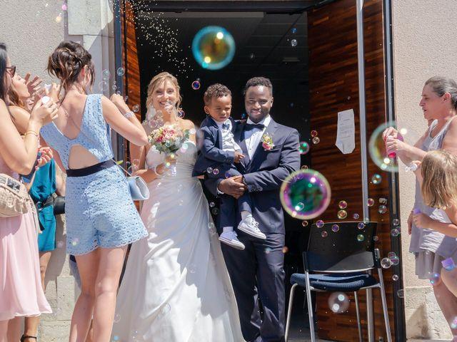 Le mariage de Rahim et Isabelle à Reignier, Haute-Savoie 4