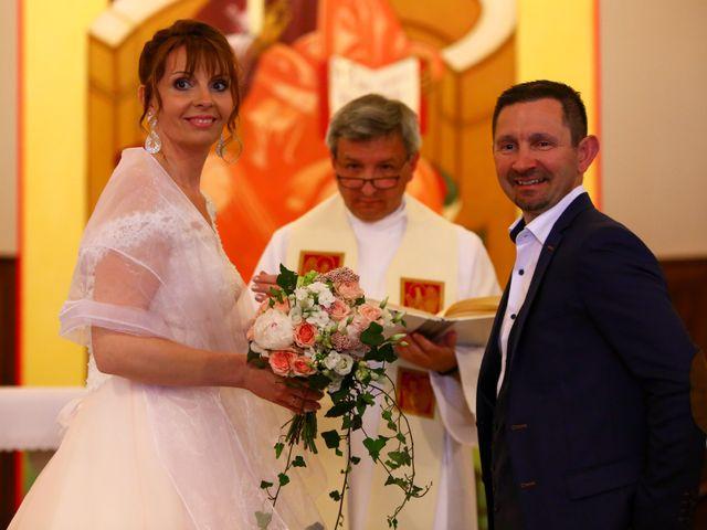 Le mariage de Philippe et Stéphanie à Saint-Laurent-d'Oingt, Rhône 16
