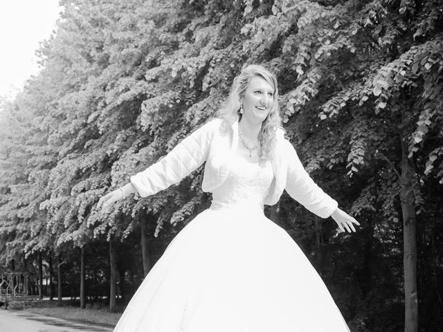 Le mariage de Romain et Charlotte à Noisy-le-Roi, Yvelines 35