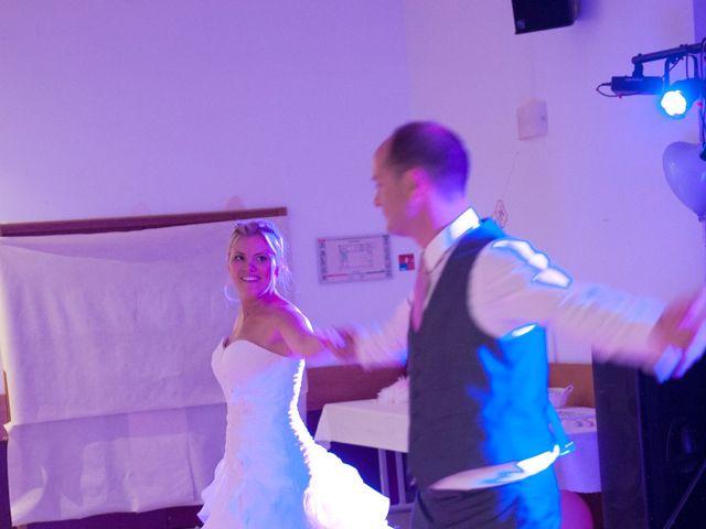 Le mariage de Benjamin et Isabelle à L'Isle-sur-le-Doubs, Doubs 32