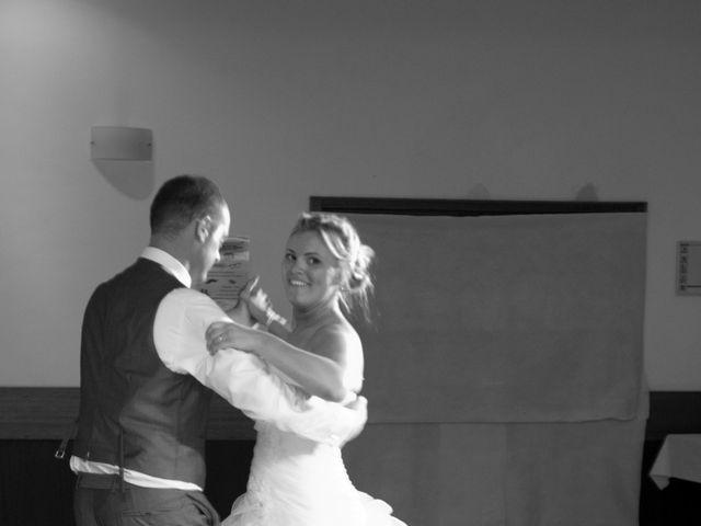 Le mariage de Benjamin et Isabelle à L'Isle-sur-le-Doubs, Doubs 34