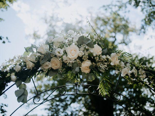 Le mariage de Anthony et Charlène à Lyons-la-Forêt, Eure 9