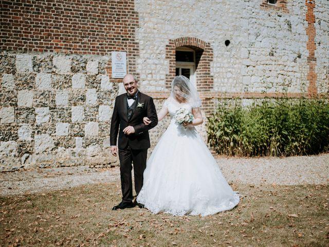 Le mariage de Anthony et Charlène à Lyons-la-Forêt, Eure 14