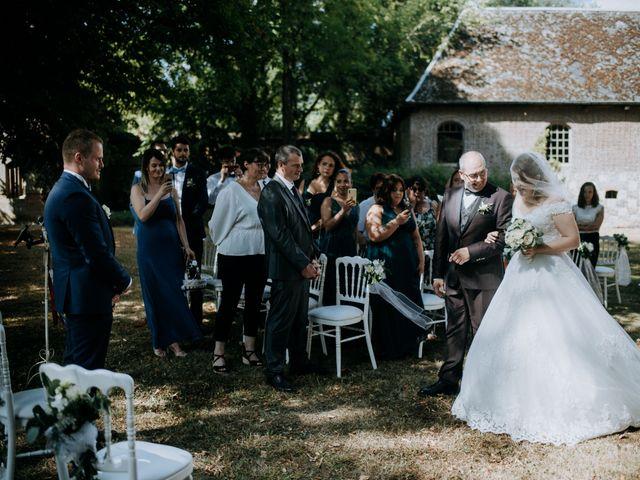Le mariage de Anthony et Charlène à Lyons-la-Forêt, Eure 17