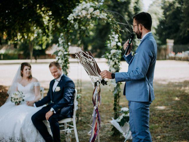 Le mariage de Anthony et Charlène à Lyons-la-Forêt, Eure 18