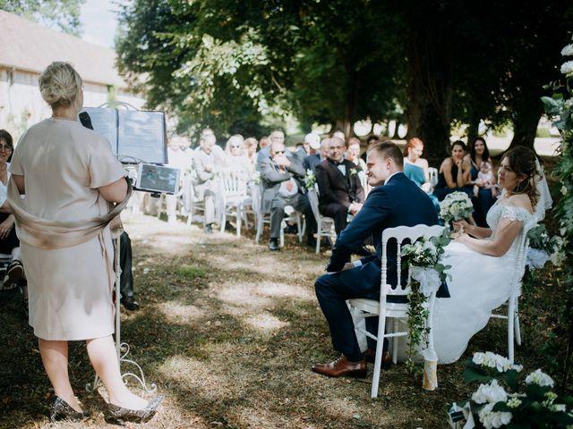 Le mariage de Anthony et Charlène à Lyons-la-Forêt, Eure 20