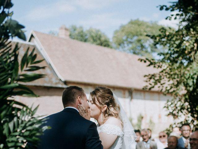 Le mariage de Anthony et Charlène à Lyons-la-Forêt, Eure 44