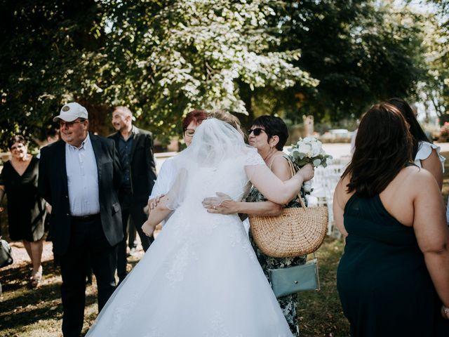 Le mariage de Anthony et Charlène à Lyons-la-Forêt, Eure 57