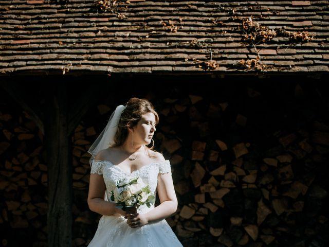 Le mariage de Anthony et Charlène à Lyons-la-Forêt, Eure 61
