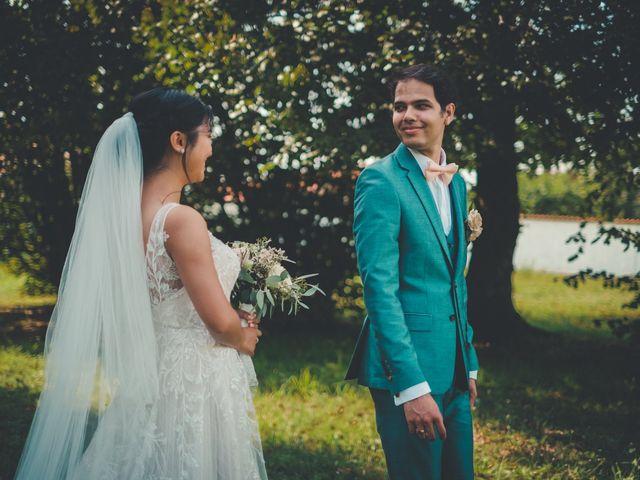 Le mariage de Lucie et Emmanuel à Savigneux, Loire 35