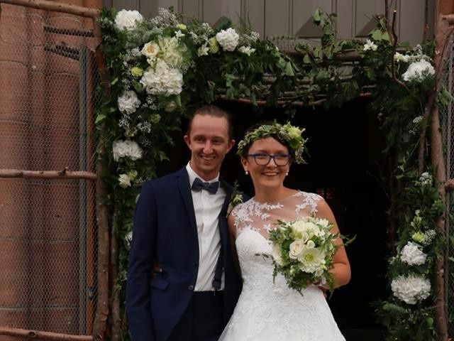 Le mariage de Romain et Amandine à Granges-sur-Vologne, Vosges 8