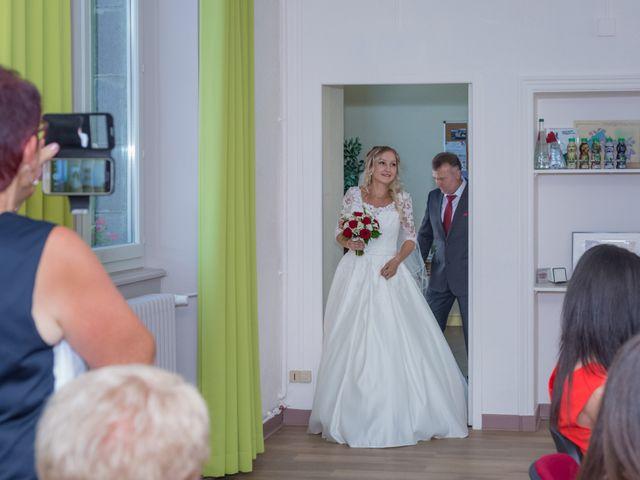Le mariage de Benoit et Noémie à Thiers, Puy-de-Dôme 1