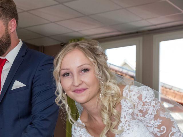 Le mariage de Benoit et Noémie à Thiers, Puy-de-Dôme 12